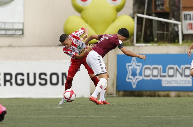 Video - Saprissa golea a Santos 4-0